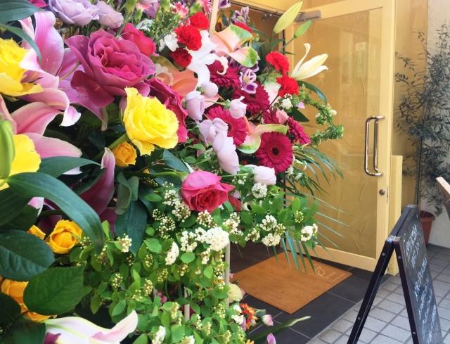 開店・開業祝いにピッタリの花は何?開店・開業祝いの相場も合わせてご紹介!