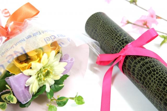 卒業祝いにオススメの花は?卒業祝いに相応しい花言葉の花をご紹介!