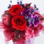 プロポーズで渡すにはバラの花束とプリザーブドフラワーどちらがいいの?